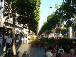 Champs Elysées - en juillet