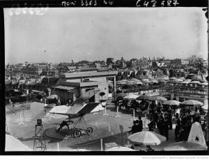 Fragonard Paris - Avion sur toit Galeries Lafayette