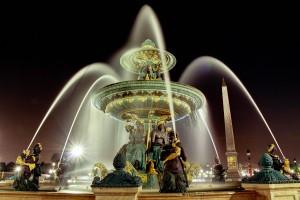 Palais Bourbon - Fontaine la nuit