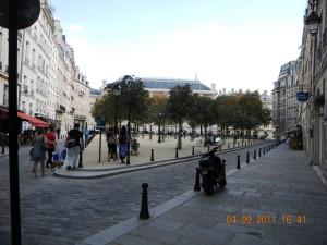 Henri IV de France - Place Dauphine