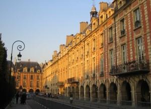 Place de la Bastille - Place des Vosges. côté est
