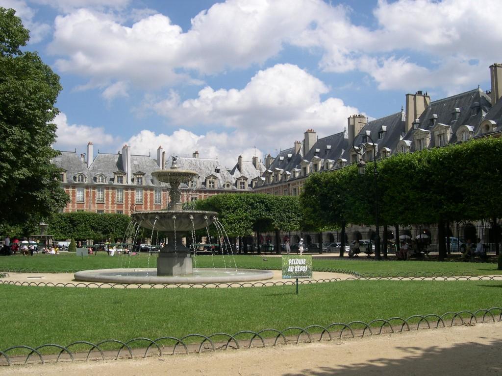 Place de la Bastille - Place des Vosges