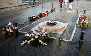 Avenue George V - Tombeau du Soldat Inconnu